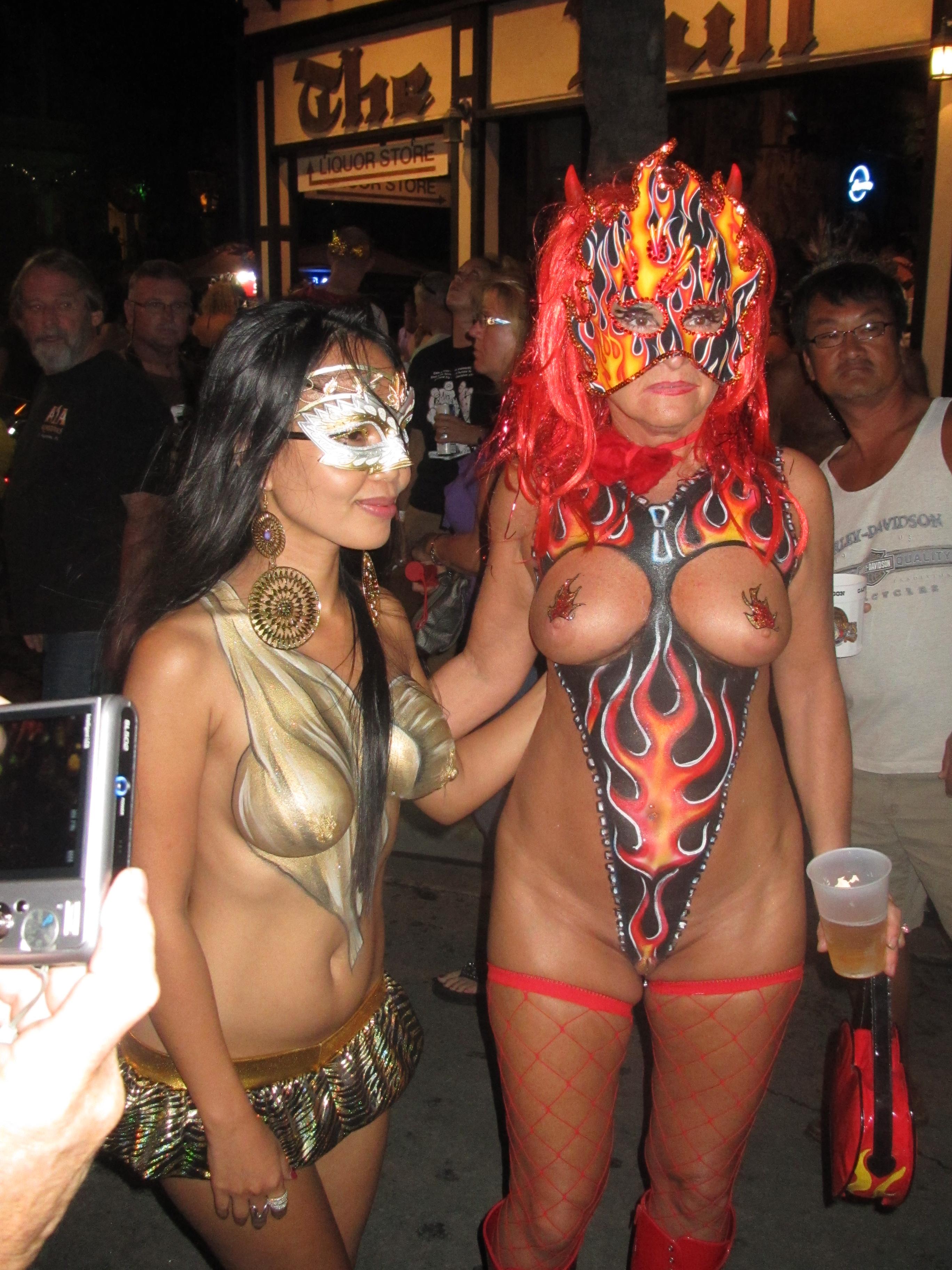 Fantasy fest 2013 upskirts at the bar - 3 part 8